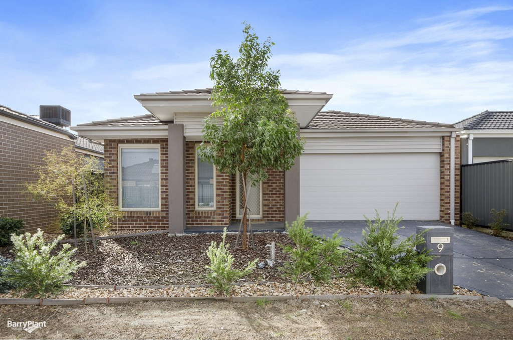 9 michael place point cook  vic 3030